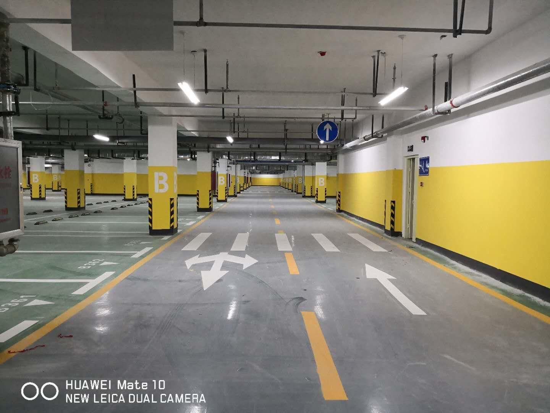 道路交通设施介绍高速护栏板对道路安全的重要性